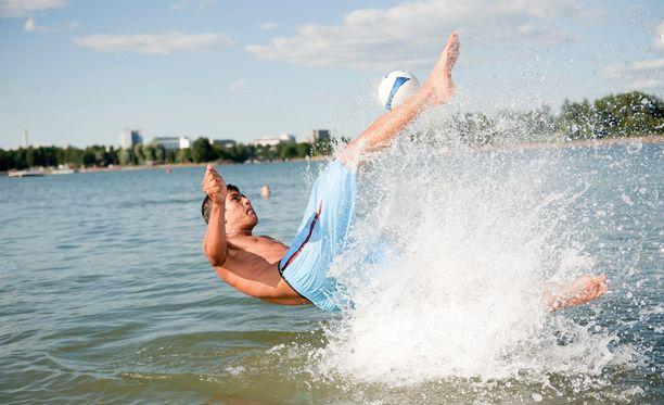 Uimavedet ovat pysyneet tänä kesänä kylminä koleiden säiden takia.