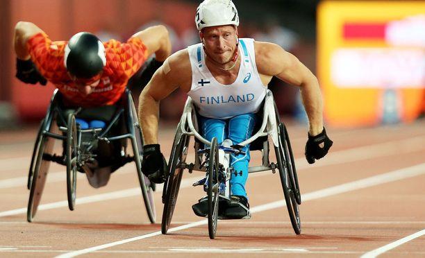 Leo-Pekka Tähti kelasi MM-kultaa 100 metrillä perjantaina. Nyt tuli pronssi kakkosmatkalla 200 metrillä.