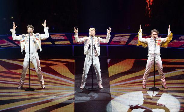 Take That -yhtyeellä on parhaillaan käynnissä Wonderland-kiertue.