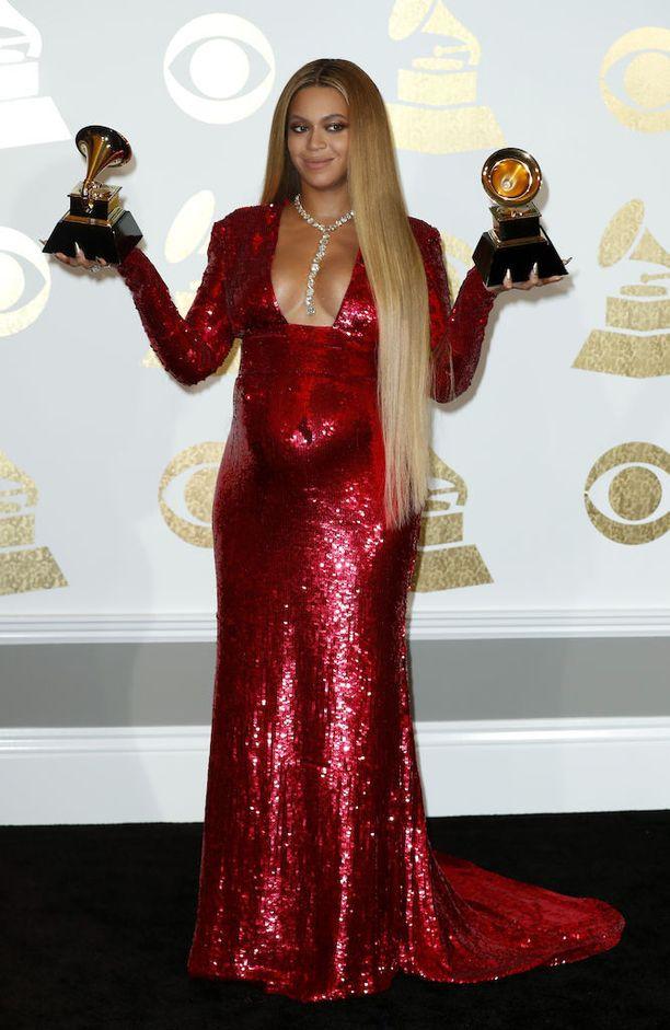 Beyoncé odottaa kaksosia. Hänellä ja hänen miehellään Jay-Z:llä on entuudestaan yksi lapsi.