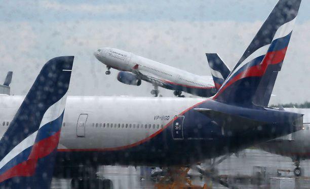 Venäläinen Aeroflot on yksi lentoyhtiöistä, joka aloittaa jälleen tilauslentonsa Turkkiin.