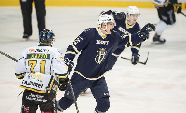 Jussi Makkonen iski eilen Bluesin 1-0-maalin.