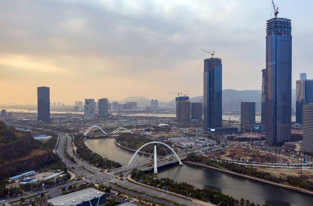 Zhuhain kaupungin väkiluku on 1,56 miljoonaa.