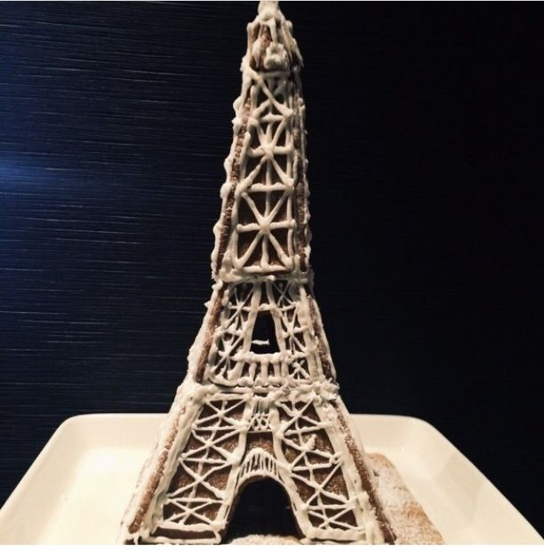 Marianne Gustafsson rakensi Eiffel-tornin. - Piirsin mallit käsin mieleni mukaan, samoin koristelut. Lapset avustivat, Gustafsson kertoo.
