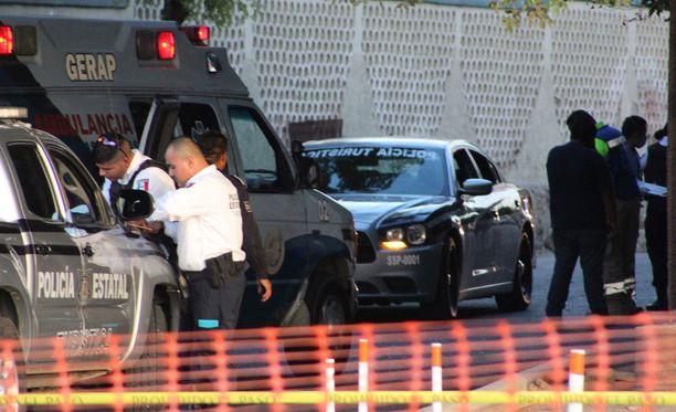 Meksikossa rikollisjärjestöt taistelevat raa'asti. Joulukuun alussa poliisi tutki kolmen turistipoliisin murhaa La Pazissa, Baja California Surissa.