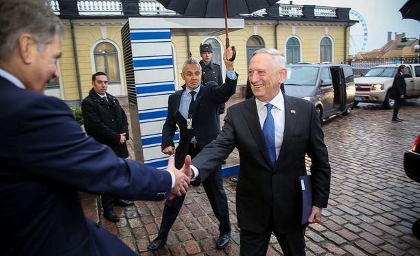Yhdysvaltain puolustusministeri James Mattis saapui maanantaina vierailulle Suomeen.