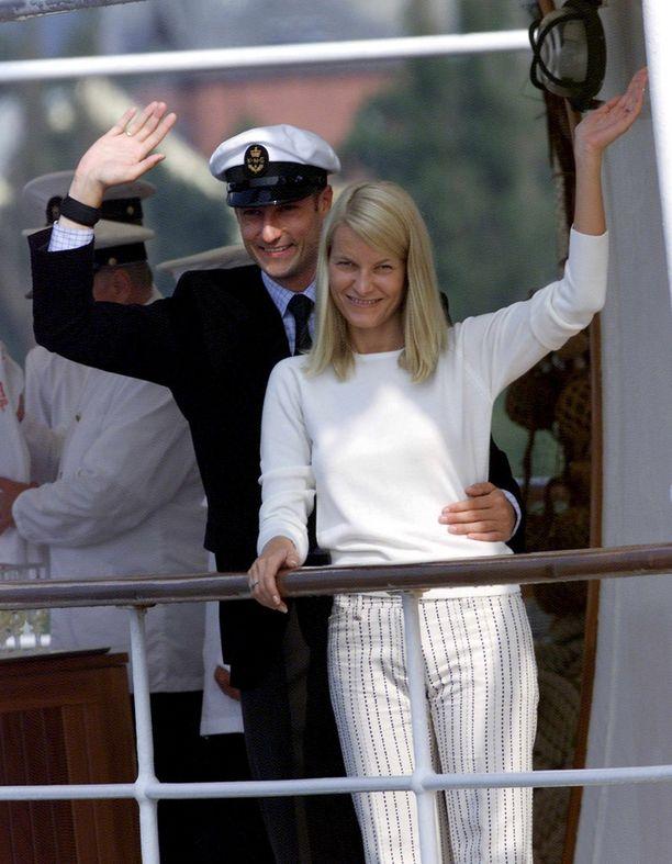 Vuonna 2001 Mette-Marit ja Haakon menivät naimisiin.