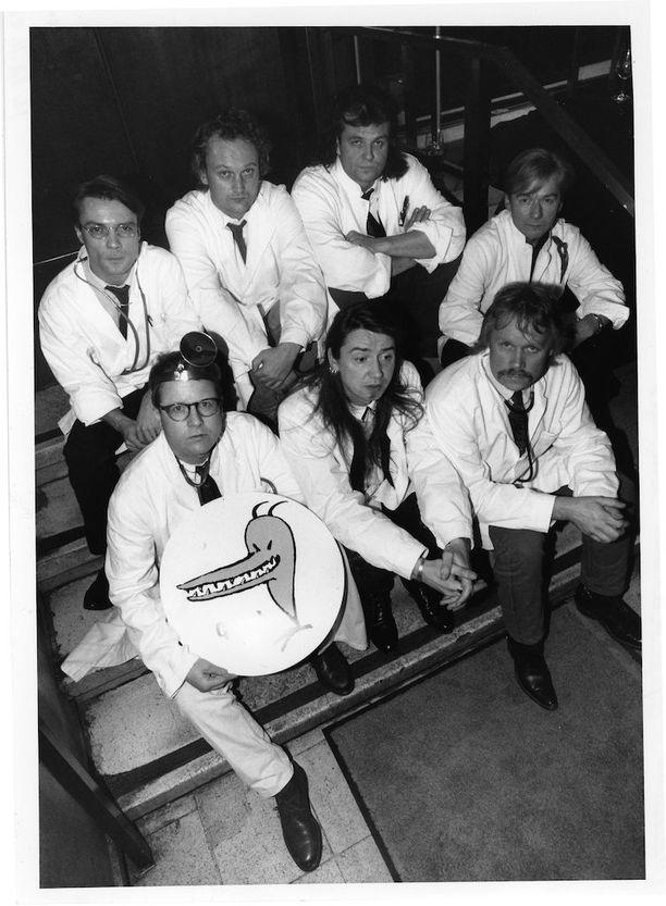 Lapinlahden Linnut vuonna 1992: Pekka Hedkrok, Heikki Salomaa, Tapio Liinoja, Timo Eränkö, Puka Oinonen, Matti Jaaranen ja Hannu Lemola.