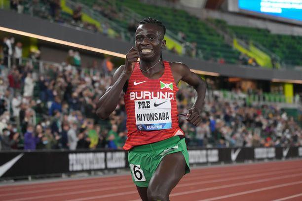Francine Niyonsaba on 2 000 metrin ME-nainen.