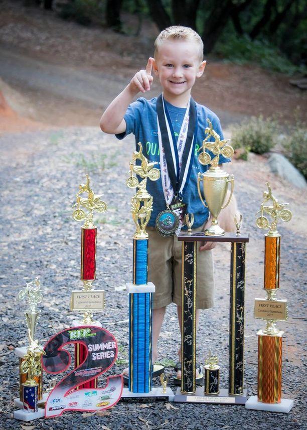 Smart kuuluu kaikkien aikojen nuorimpiin motocrosstaitureihin.