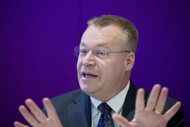 Stephen Elop ei pukahda Lumia-uutuudesta.