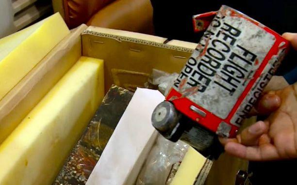 Ruutukaappaus videolta, jossa esiteltiin turmakoneen mustaa laatikkoa Teheranissa.