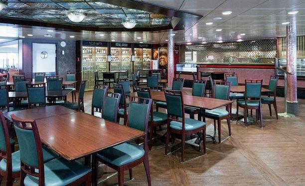 M/S Amorellan ravintolakannen näköalakäytävä nyt.