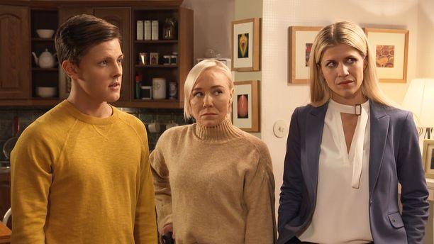 Sievisten perhe on pettynyt isänsä Lassen törttöilyihin, ja perhe näyttää olevan umpikujassa.