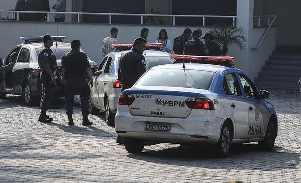 Brasilian poliisi on onnistunut pidättämään huumeparonina tunnetun Luiz Carlos da Rochan. Kuvituskuva poliisipartiosta Rio de Janeirosta kesäkuulta.