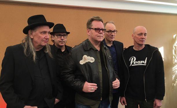 Dingo kertoi suunnittelevansa kiertueen lisäksi mahdollisesti myös uutta musiikkia.
