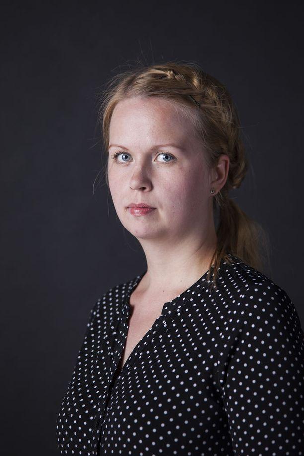 Suomalainen Mari Julku joutuu lähtemään pois Miamista miehensä ja pienen lapsensa kanssa.
