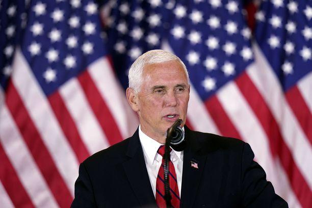 Yhdysvaltojen varapresidentti Mike Pence yritti kerätä poliittiset irtopisteet toimivasta koronarokotteesta.