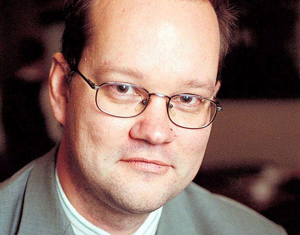 Palkansaajien tutkimuslaitoksen Jaakko Kiander kannattaa hallituksen rinnalla veronalennuksia laman torjumiseksi.<br>