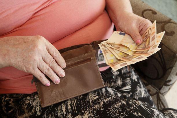 Eri eläkesäästöpalvelujen kustannuksissa on merkittäviä eroja.