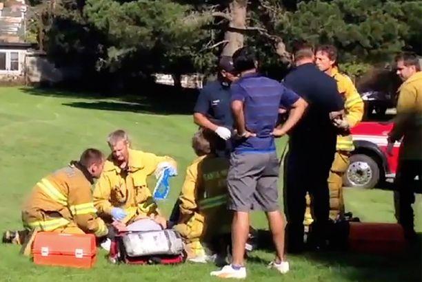 Ensimmäisenä paikalle tullut pelastushenkilöstö.