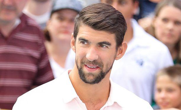 Michael Phelpsin hehkutettu uintikisa valkohaita vastaan oli monelle iso pettymys.