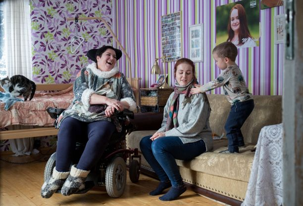 Jane Paberitilla on neljä lasta, joilla yhdellä on jo oma lapsi. Läheiset eivät ole yrittäneet kääntää Janen päätä.