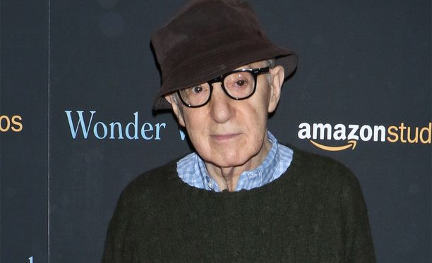 Woody Allen on järjestelmällisesti kiistänyt hyväksikäytön. Poliisi on tutkinut asiaa kahdesti, syytteitä ei ole nostettu.