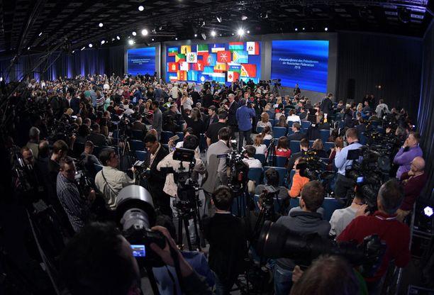 Putin antoi kysymykset Syyriasta ja Ukrainasta vasta noin kahden tunnin keskustelun jälkeen.