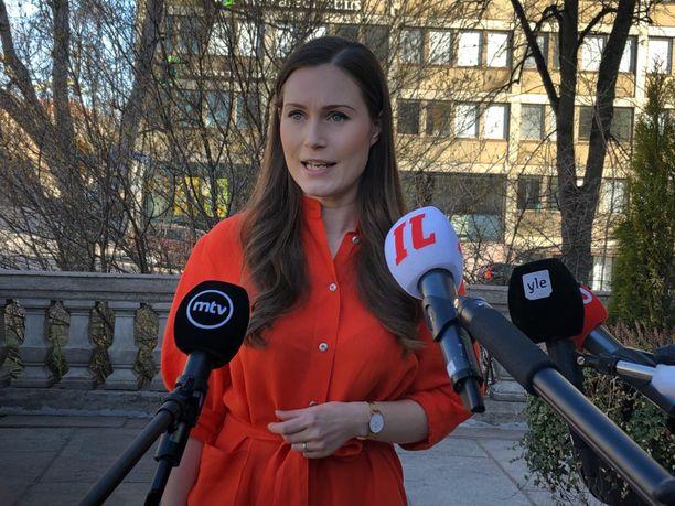 Pääministeri Sanna Marinin hallitus kokoontui keskiviikkona aamupäivällä Säätytalolle pohtimaan koronavirustilannetta ja sen vuoksi asetettuja rajoitteita.