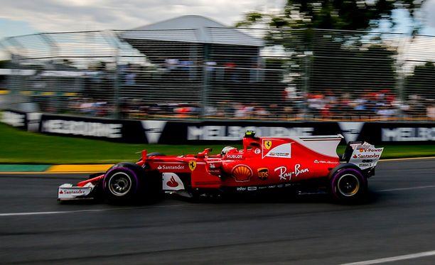 Kimi Räikkönen oli ensimmäisen osion toiseksi nopein kuski.