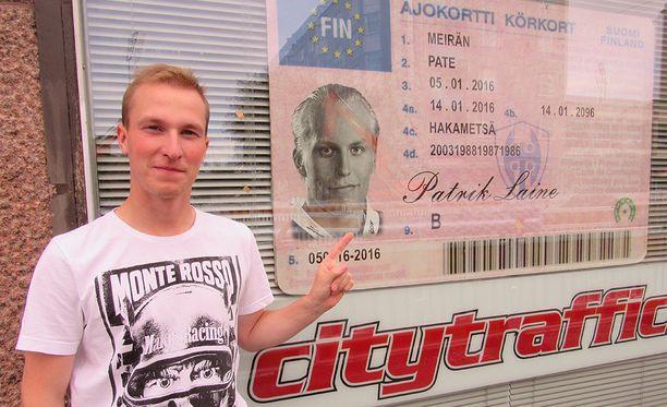 Patrik Laine on tamperelaisen autokoulun kuuluisin asiakas. Ilkka Koivistoinen toimi hänen ajo-opettajanaan.