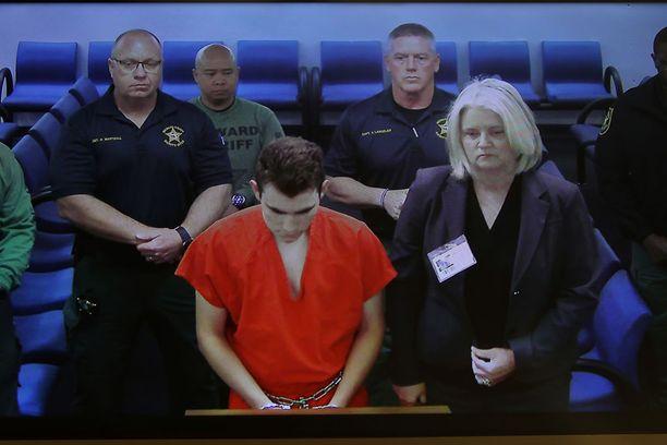 Nikolas Cruz samassa oikeustalossa maaliskuun 9. päivänä.