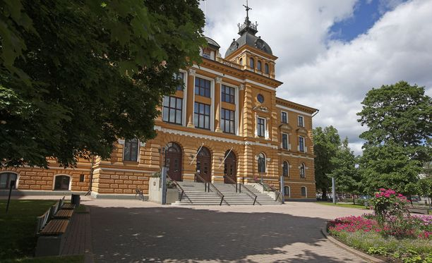 Oulun kaupunginvaltuustoon kuuluva maahanmuuttokriitikko levitteli syyttäjän mukaan laitonta islam-vihaa.
