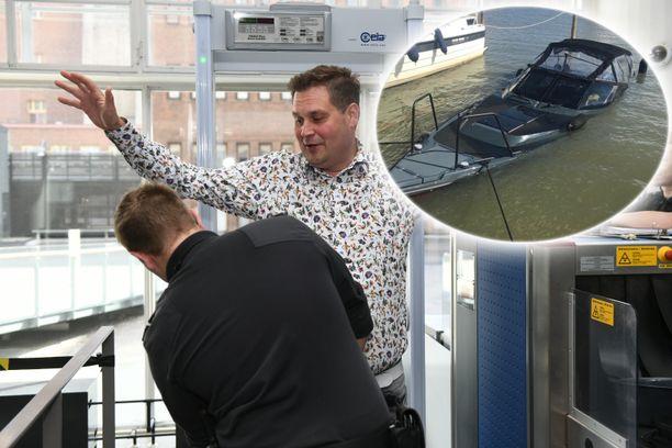 Jethro Rostedt joutui heti turvatarkastukseen, kun hän saapui käräjille.