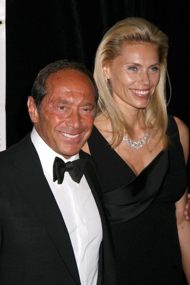 Tosi-tv-julkkis oli naimisissa laulaja Paul Ankan kanssa. Parilla on yksi yhteinen lapsi.