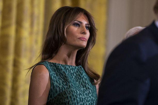 Melania Trump pitää tiukasti kiinni yksityisyydestään, ja hänen julkisuuskuvansa on huomattavasti hillitympi kuin Donald Trumpin.