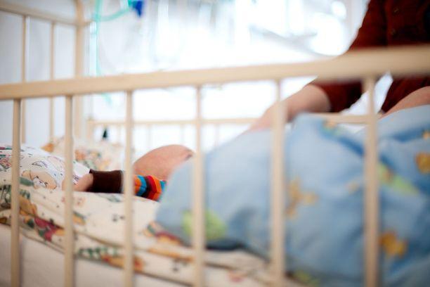 Syntyvyyden aleneminen on uhka yhteiskunnalle.