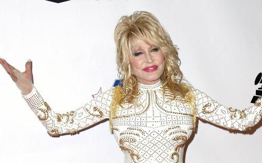 Tiesitkö? Dolly Parton on ollut miehensä kanssa jo yli 50 vuotta – kumppani ei silti edusta koskaan laulajan rinnalla