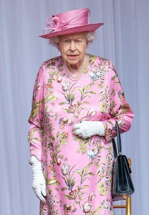 Kuningatar Elisabetista kuvattu video ihastuttaa.
