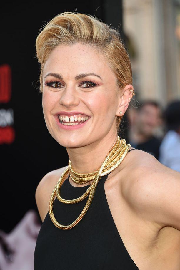 Anna Paquin nousi tähdeksi blondina. Nykyisin hänkin on vaihtanut lyhyeen lookiin.