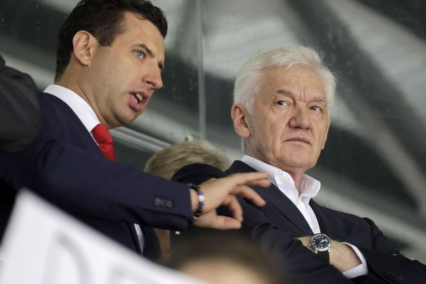 Roman Rotenberg (vas.) ja Gennadi Timtshenko johtavat Pietarin SKA:ta ja pyörittävät KHL:ää mielensä mukaan.