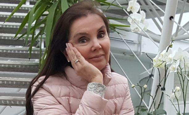 25 vuotta sitten sattunut onnettomuus oli siinä mielessä myös onnenpotku, että sen vuoksi Sarita Alanko keksi, miten muutkin voivat venytellä kehostaan pois kipuja ja jumeja.