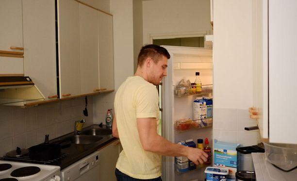Jääkaappi pysyy hyvin varustettuna, kun kauppareissut tehdään yhdessä.