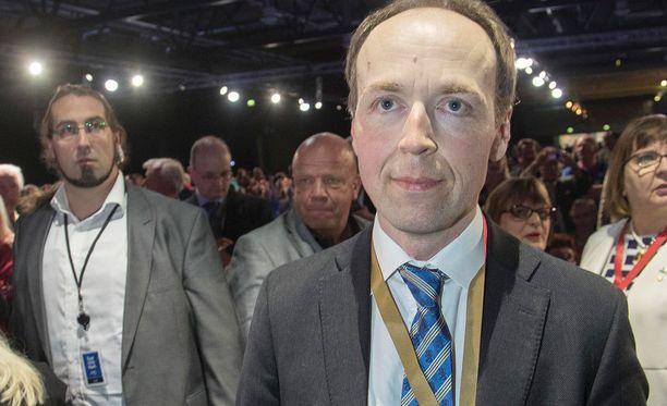 PS:n puheenjohtaja Jussi Halla-aho. Timo Soini teki puheenjohtaja-aikanaan äärioikestoksi miellettyyn Ruotsidemokraatteihin selvän pesäeron.