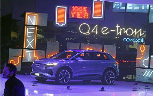 Uusi Audin sähköauto paljastettiin medialle tiistaina Geneven lehdistöpäivien aamuna.