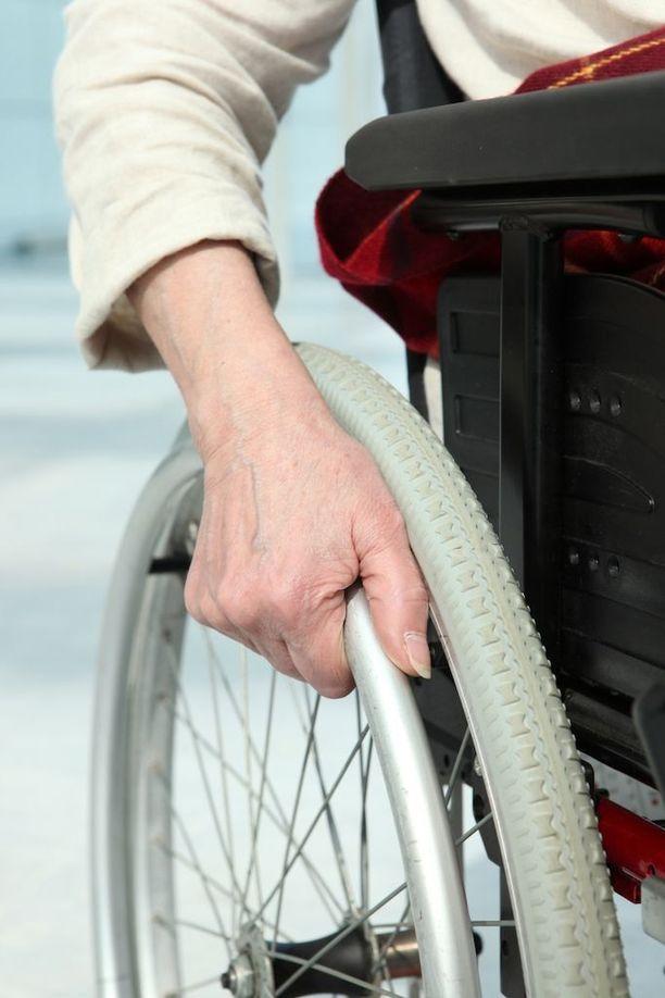 Servean mukaan kaikkien vanhusten ovilla on käyty, jotka ovat ruokaa tilanneet.