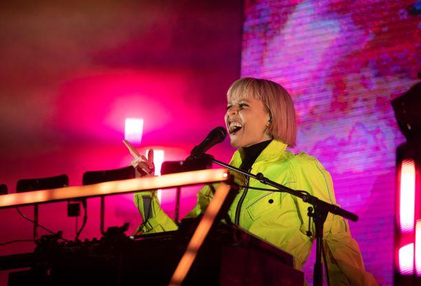 Paula Vesala on tunnettu suomalainen laulaja ja näyttelijä.