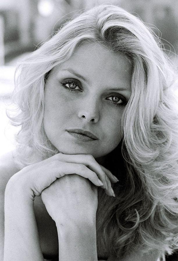 Nuori Michelle Pfeiffer kuvattuna vuonna 1980.