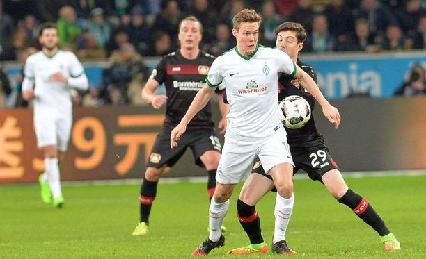 Werder Bremenin Niklas Moisander pelaa vahvaa kautta.